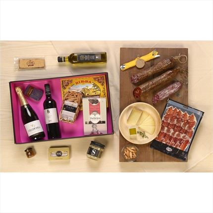 the christmas basket | lots of christmas marti | buy basket | lots of wine