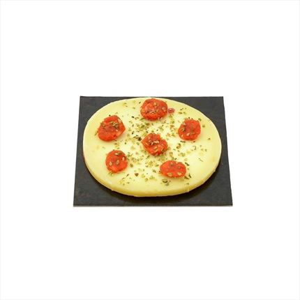 About provolone cheese with bits of spicy sausage. 100 gr.